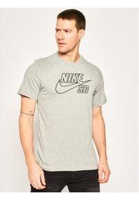 Nike T-Shirt Skate Logo CD2109 Szary Standard Fit. Kolor: szary