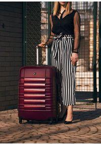 Solier - Duża walizka podróżna STL838 burgundowa. Kolor: czerwony. Materiał: materiał