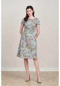 Marie Zélie - Sukienka Asteria Gama błękitna. Kolor: niebieski. Materiał: materiał, skóra, bawełna, elastan. Wzór: gładki. Typ sukienki: trapezowe. Styl: klasyczny
