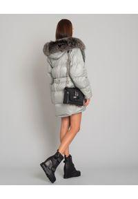 YVES SALOMON PARIS - Szara kurtka puchowa. Kolor: szary. Materiał: puch. Długość rękawa: długi rękaw. Długość: długie. Wzór: aplikacja