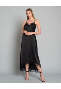 WILD MASCOT - Sukienka z jedwabiu. Kolor: czarny. Materiał: jedwab. Długość rękawa: na ramiączkach. Wzór: koronka. Typ sukienki: asymetryczne. Styl: elegancki. Długość: maxi
