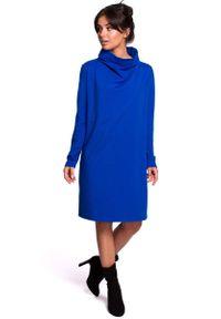 MOE - Chabrowa Sukienka o Kroju Litery A z Wysokim Kołnierzem. Kolor: niebieski. Materiał: elastan, bawełna