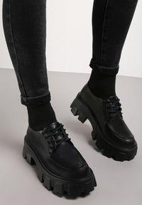 Renee - Czarne Półbuty Kephea. Wysokość cholewki: przed kostkę. Nosek buta: okrągły. Kolor: czarny. Materiał: jeans. Szerokość cholewki: normalna. Obcas: na obcasie. Styl: klasyczny. Wysokość obcasa: średni