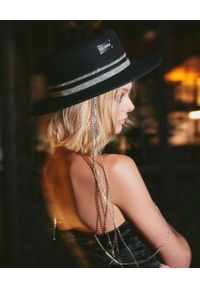 LESHKA - Kapelusz z biżuteryjnym zdobieniem Silver Black Canotier. Kolor: czarny. Wzór: aplikacja