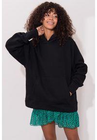 e-margeritka - Bluza damska bawełniana długa czarna z kapturem - 38. Okazja: na co dzień. Typ kołnierza: kaptur. Kolor: czarny. Materiał: bawełna. Długość: długie. Styl: casual