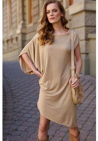 Makadamia - Asymetryczna Sukienka na Lato - Beżowa. Kolor: beżowy. Materiał: wiskoza. Sezon: lato. Typ sukienki: asymetryczne