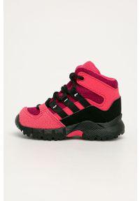 Różowe buty zimowe adidas Performance z cholewką, na sznurówki, na zimę, z nadrukiem
