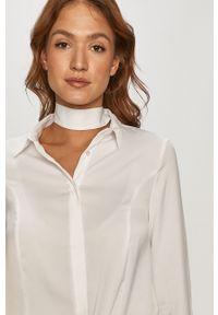 Biała koszula Guess na co dzień, długa