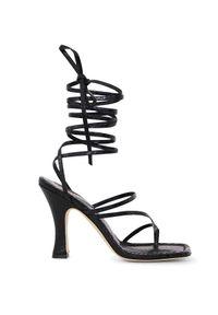 PARIS TEXAS - Wiązane sandały Mirta. Zapięcie: pasek. Kolor: czarny. Obcas: na obcasie. Styl: wizytowy, elegancki. Wysokość obcasa: średni