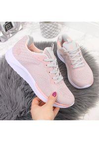 Różowe buty sportowe NEWS