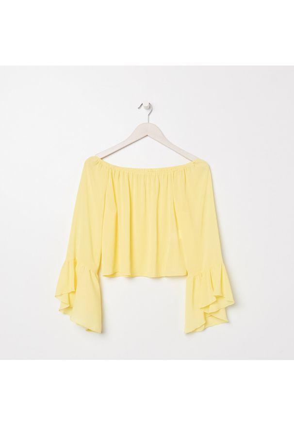 Żółta bluzka Sinsay z dekoltem typu hiszpanka