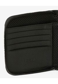 Kenzo - KENZO - Skórzany portfel Courier. Kolor: czarny. Materiał: skóra. Wzór: aplikacja
