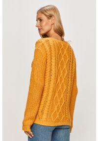 Żółty sweter Roxy z okrągłym kołnierzem