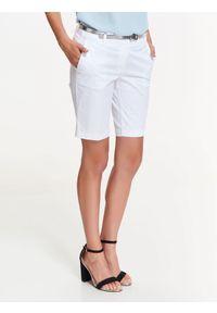 Białe szorty TOP SECRET krótkie, w kolorowe wzory, na wiosnę, do pracy