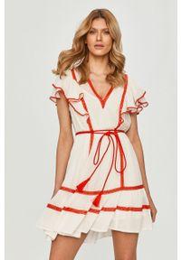 Biała sukienka TwinSet mini, prosta, na co dzień, z krótkim rękawem