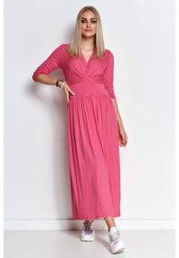 Makadamia - Długa Wiskozowa Sukienka o Kopertowym Dekolcie - Amarantowa. Kolor: różowy. Materiał: wiskoza. Typ sukienki: kopertowe. Długość: maxi
