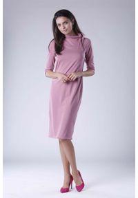 Różowa sukienka Nommo prosta, midi