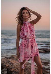 Różowa sukienka wizytowa IVON ze stójką, w kwiaty