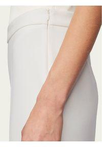 Białe spodnie materiałowe BOSS