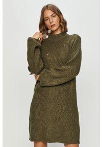 Zielona sukienka Noisy may prosta, na co dzień, mini, casualowa
