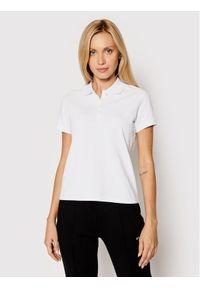 Guess Polo Logo Pique W1YP38 RAQS0 Biały Slim Fit. Typ kołnierza: polo. Kolor: biały