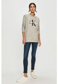 Calvin Klein Jeans - Bluza. Kolor: szary. Wzór: nadruk