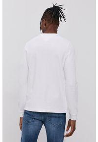 Tommy Jeans - Longsleeve. Kolor: biały. Materiał: dzianina. Długość rękawa: długi rękaw