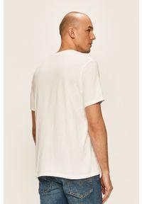 Biały t-shirt Levi's® w kolorowe wzory, z okrągłym kołnierzem, na co dzień