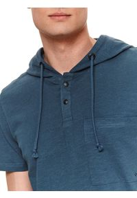 TOP SECRET - T-shirt z kapturem. Typ kołnierza: kaptur. Kolor: niebieski