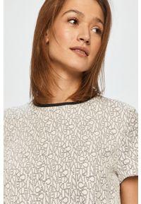 Biała sukienka Calvin Klein mini, casualowa, z krótkim rękawem, na co dzień