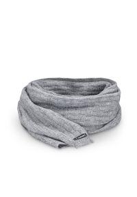 Szary szalik PaMaMi na zimę