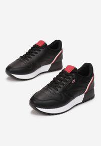 Renee - Czarne Sneakersy Cheneda. Kolor: czarny