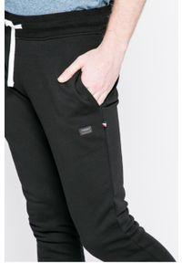 Czarne spodnie dresowe PRODUKT by Jack & Jones melanż