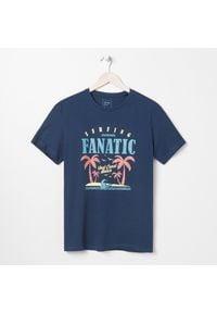Sinsay - Koszulka z nadrukiem - Granatowy. Kolor: niebieski. Wzór: nadruk