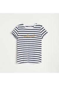 Reserved - T-shirt w paski z napisem - Wielobarwny. Wzór: napisy, paski
