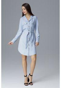 e-margeritka - Koszulowa sukienka midi zapinana na guziki błękit - s. Okazja: do pracy, na spotkanie biznesowe. Materiał: materiał, poliester. Długość rękawa: długi rękaw. Wzór: aplikacja. Typ sukienki: koszulowe. Styl: biznesowy, elegancki. Długość: midi