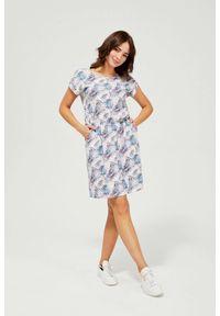 MOODO - Sukienka w roślinne wzory. Okazja: na co dzień, na plażę. Materiał: bawełna, dzianina, guma. Typ sukienki: proste. Styl: casual