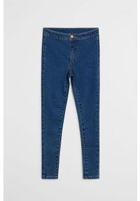 Niebieskie jeansy Mango Kids w kolorowe wzory