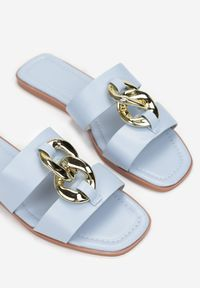Born2be - Jasnoniebieskie Klapki Melmara. Nosek buta: otwarty. Kolor: niebieski. Sezon: lato. Obcas: na płaskiej podeszwie. Styl: klasyczny