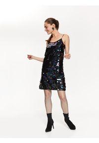 TOP SECRET - Sukienka w cekiny na cienkich ramiączkach. Okazja: na imprezę. Kolor: turkusowy. Materiał: dzianina. Długość rękawa: na ramiączkach. Styl: elegancki