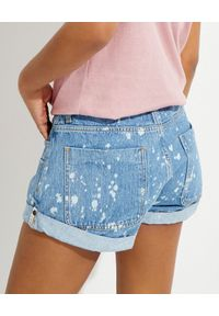 ONETEASPOON - Jeansowe spodenki tie-dye Smiths. Stan: obniżony. Kolor: niebieski. Materiał: jeans. Wzór: aplikacja