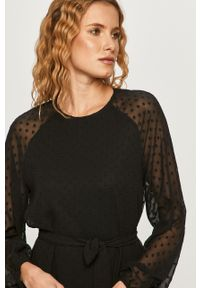 Czarna sukienka Vero Moda mini, na co dzień, rozkloszowana