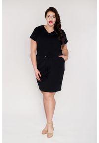Czarna sukienka dla puszystych Moda Size Plus Iwanek z dekoltem w serek, plus size, na wiosnę