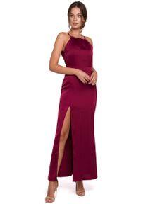 MAKEOVER - Bordowa Maxi Sukienka z Dekoltem Holter Neck. Kolor: czerwony. Materiał: poliester, elastan. Długość: maxi