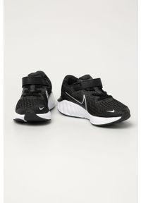 Czarne buty sportowe Nike Kids z okrągłym noskiem, na rzepy, z cholewką
