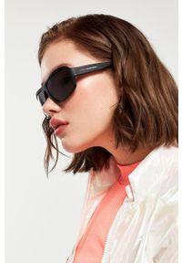 Hawkers - Okulary przeciwsłoneczne F18 - BLACK. Kształt: prostokątne. Kolor: czarny