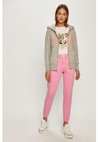 Różowe spodnie dresowe GAP