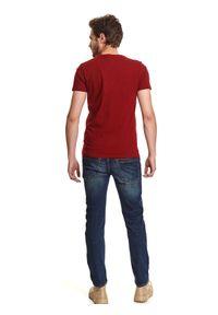 Czerwony t-shirt TOP SECRET z aplikacjami, krótki, z krótkim rękawem
