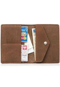 Skórzany cienki portfel slim wallet z miejscem na monety BRODRENE SW08 jasnobrązowy. Kolor: brązowy. Materiał: skóra