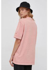 Reebok Classic - T-shirt bawełniany. Okazja: na co dzień. Kolor: różowy. Materiał: bawełna. Wzór: gładki. Styl: casual